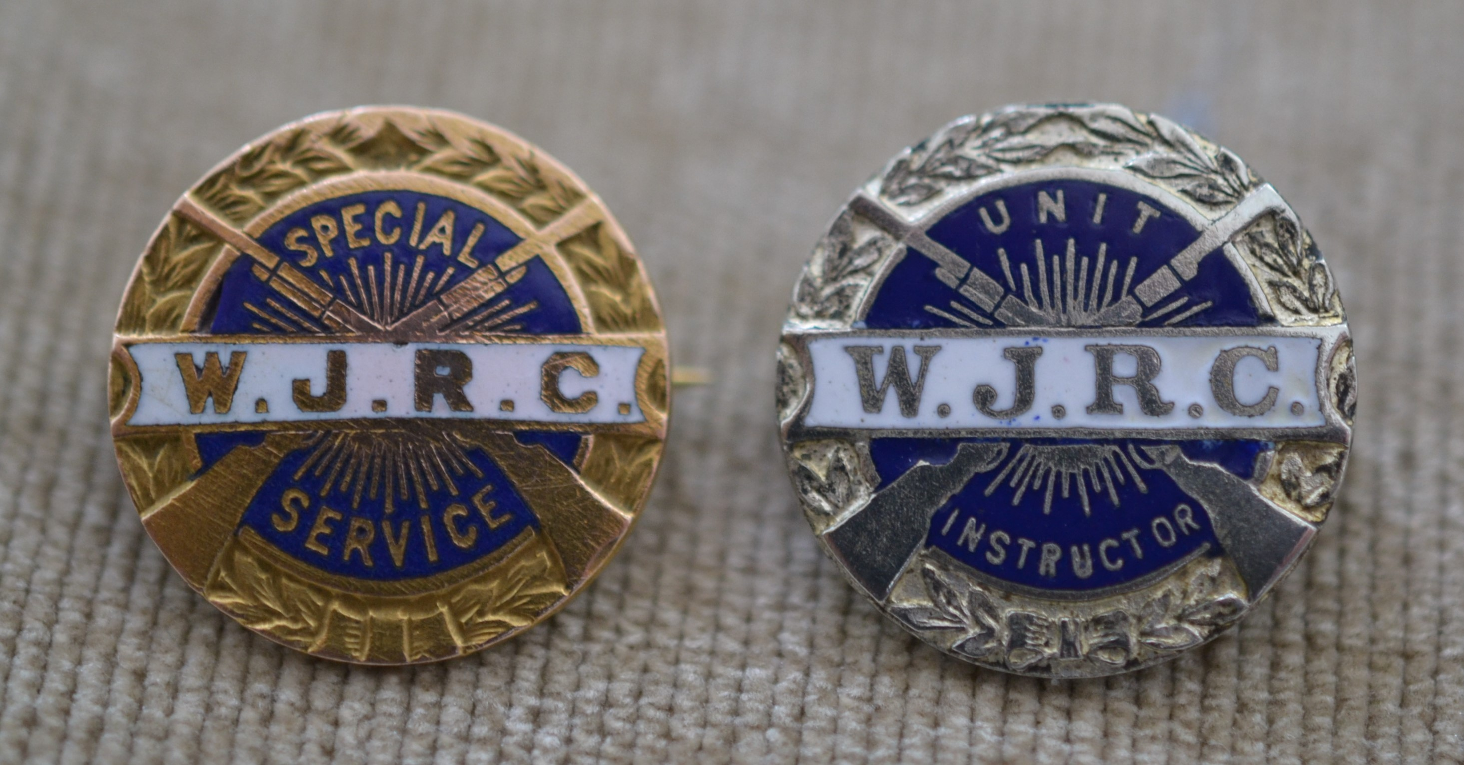 Winchester-Junior-Rifle-Corps-Special-Services-Pin-Instructor-Pin.JPG